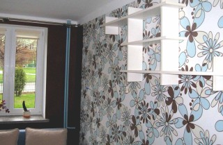 wallpapering services in London